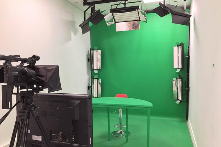 Le studio WebTV du collège est prêt pour les tournages du « 12.14 »